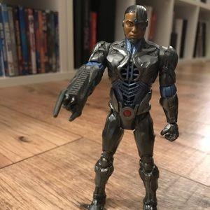 Mini cyborg action figure